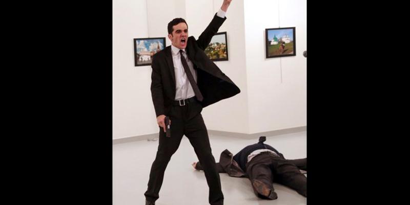 """La-Imagen-""""Un-Asesinato-En-Turquía""""-Es-La-Ganadora-Del-World-Press-Photo-2017-1"""