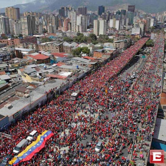 Rinden emotivo tributo a Hugo Chávez