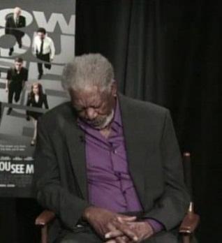 VIDEO: Morgan Freeman se queda dormido en plena entrevista