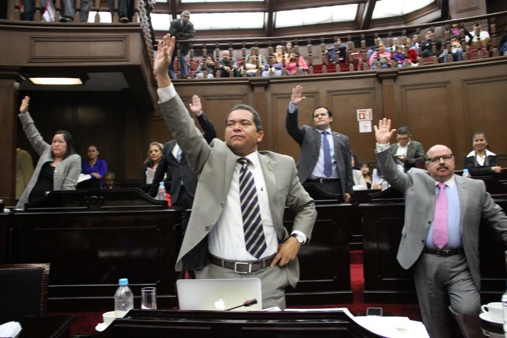 Aprueban diputados Actas de Sesiones del año 2013 y 2014 en Michoacán