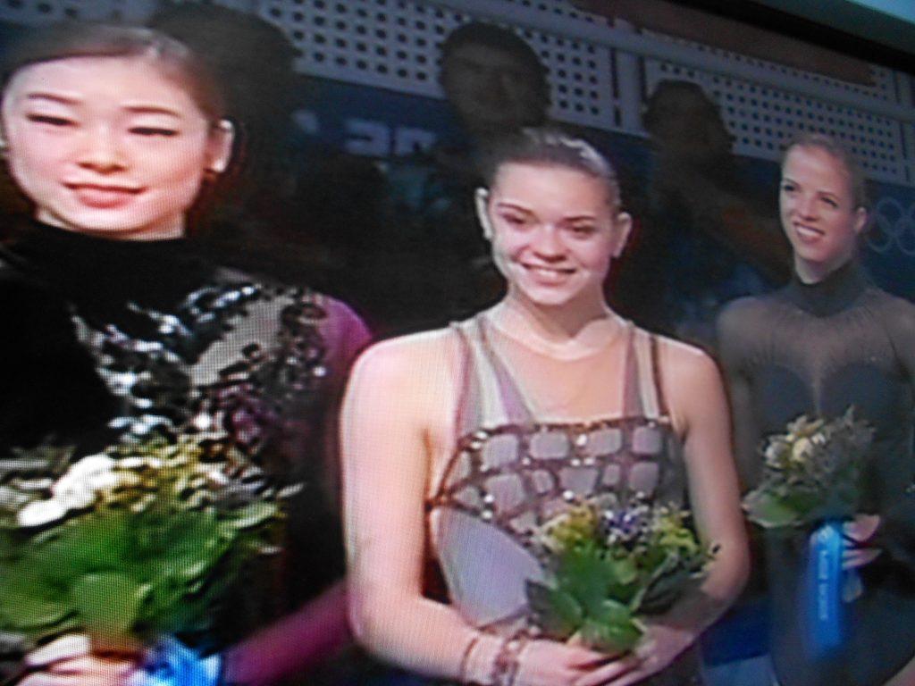 Photo of La rusa Adelina Sotnikova   ganó oro en patinaje artístico Sochi 2014