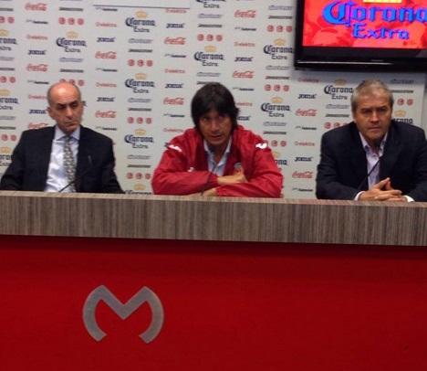 Comizzo presentación entrenador Morelia Monarcas