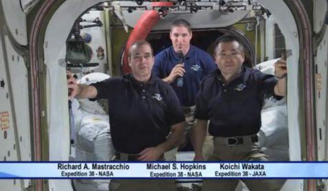 astronautas NASA felicitan a Alfonso Cuarón por Gravity desde el espacio
