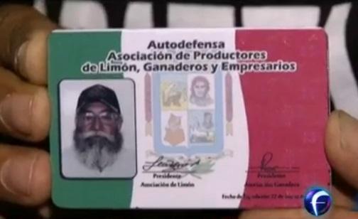 Photo of Entregan credenciales a autodefensas de Apatzingán; costarán $50 y tendrán validez de 1 año