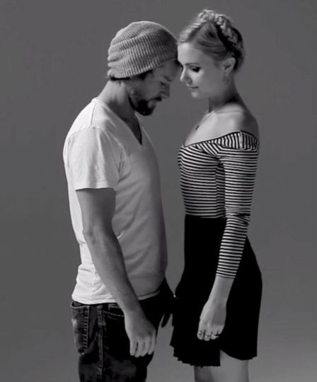 parejas de desconocidos que se besan por priemera vez2