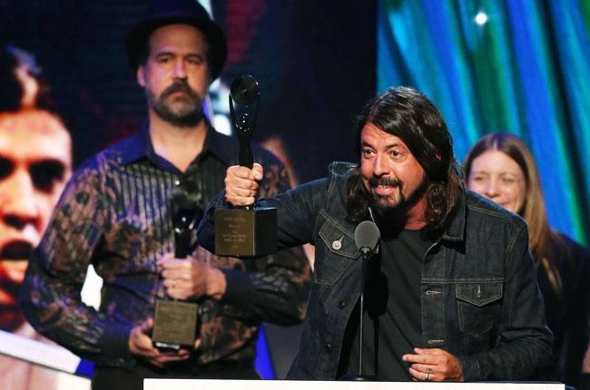 Dave Grohl y Krist Novoselic Nirvana Hall of Fame