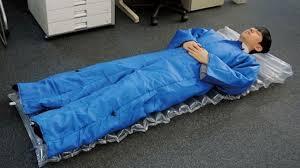 Crean Traje Cama Para Dormir Y Descansar En Cualquier Sitio