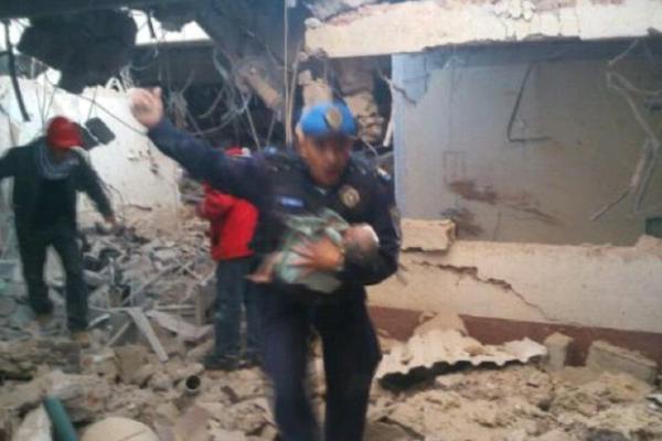 policía rescata a recién nacido de explosión del Hospital Materno Infantil en Cuajimalpa