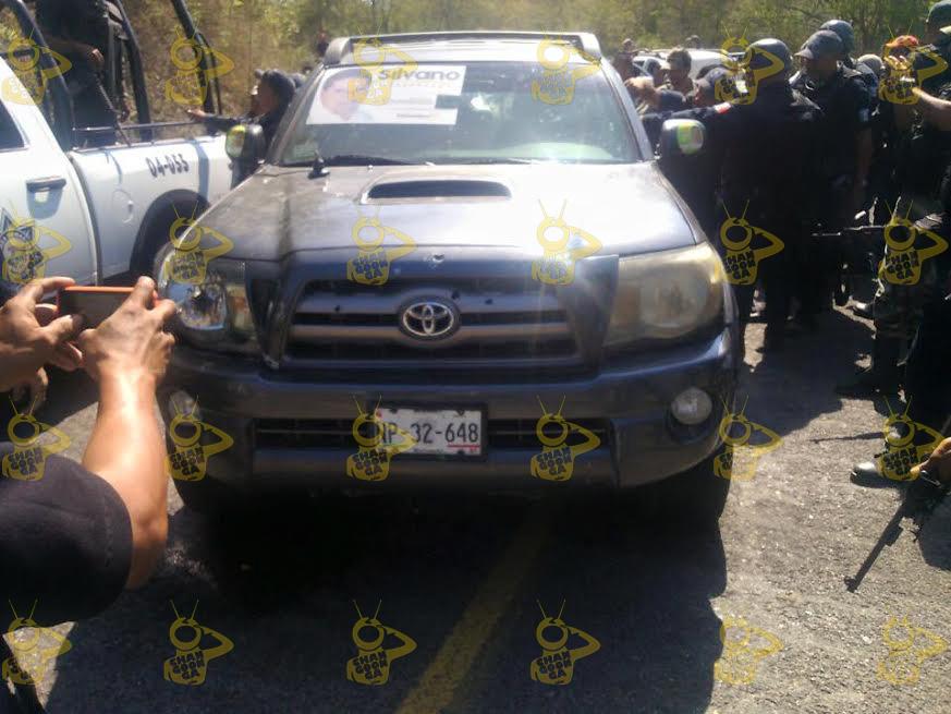 camioneta-baleada-de-Semei-Verdia-Aquila-Santa-Maria-Ostula-Michoacan