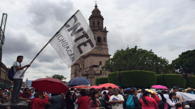 CNTE-marcha-centro-Morelia