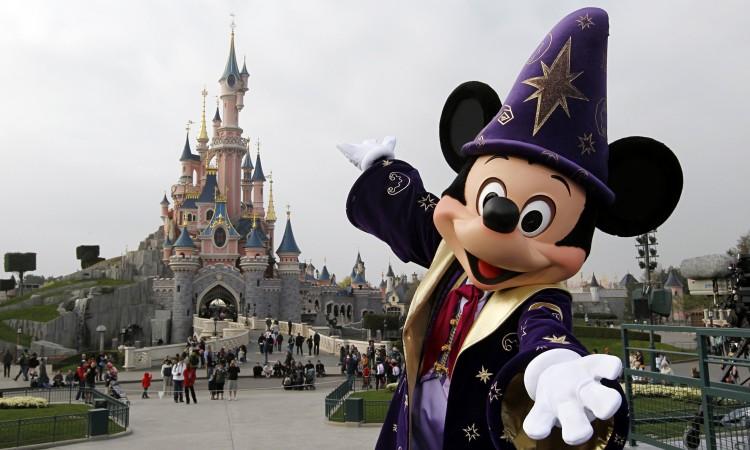 #Paris Policía Detiene A Hombre Armado En Disneylandia