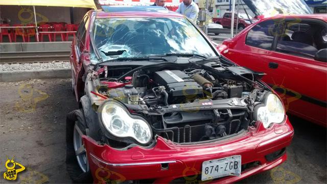 Mercedes-Benz-golpeado-por-el-tren-Morelia-2