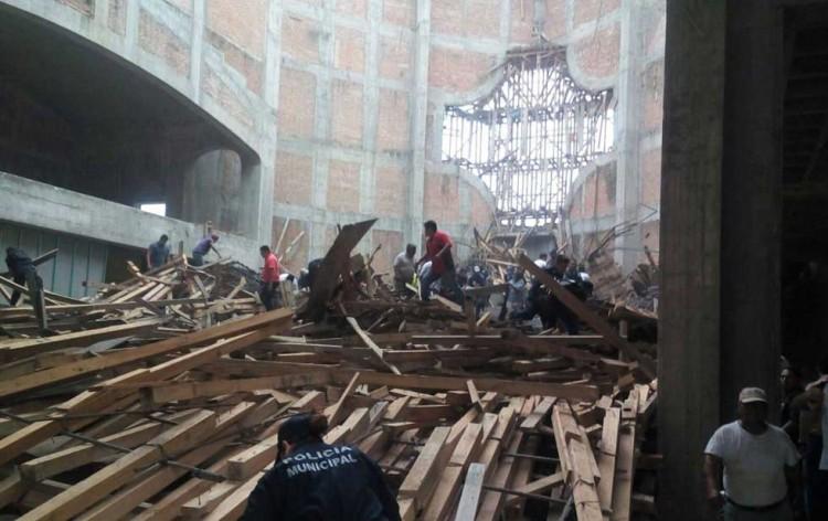 Se Cae El Techo De Catedral En Oaxaca Deja 15 Heridos