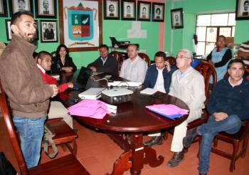 Alcaldes y legisladores se acercan a la Univim