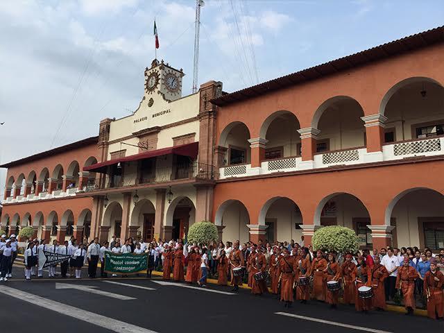 Apatzing n empiezan las fiestas de la constituci n for Noticias de ultima hora espectaculos mexico