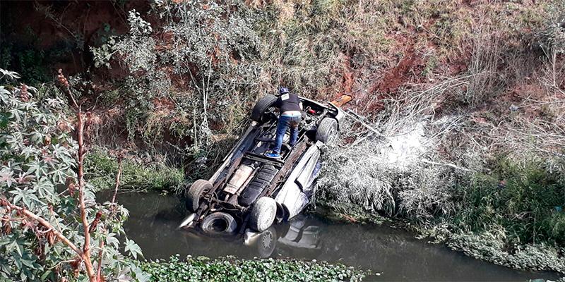 automovilista-muere-río-Tiripetío-Acuitzio-del-Canje-Michoacán