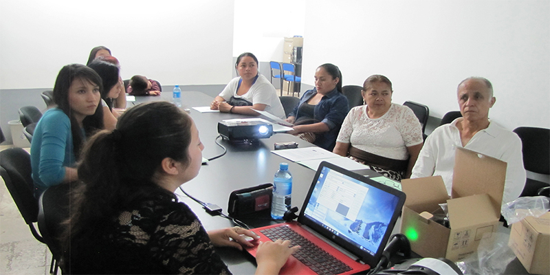 capacitan-empresarios-cómputo-Uruapan
