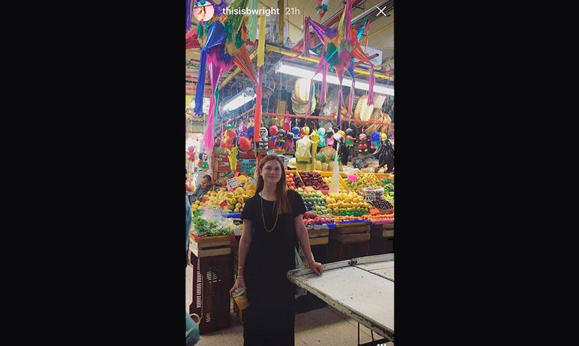 Bonnie-Wright-Ciudad-de-México-mercado-Coyoacán