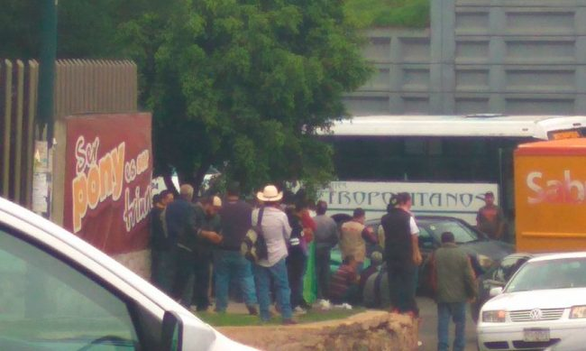 Morelia se manifiestan transportistas en la salida a for Noticias de ultima hora espectaculos mexico