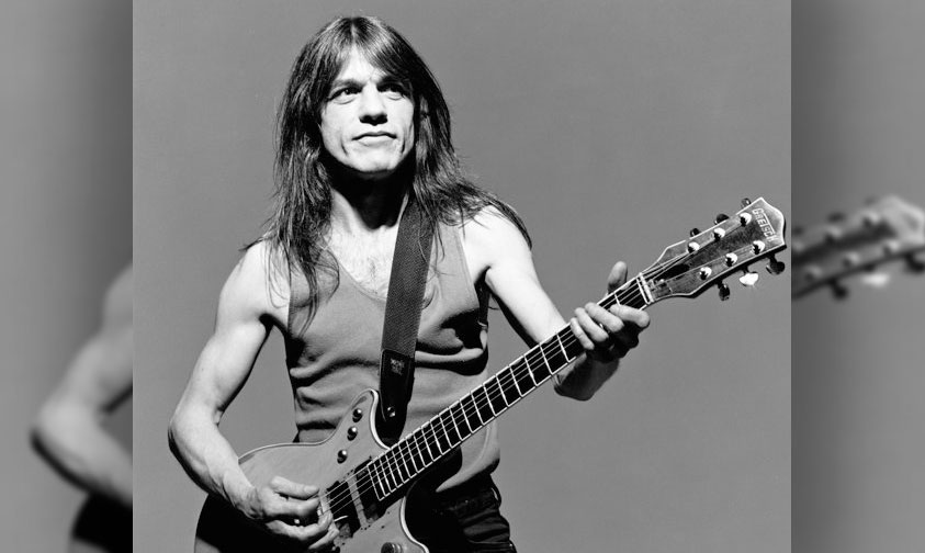 Photo of Se Nos Van Las Leyendas… Fallece Malcolm Young, Fundador De AC/DC
