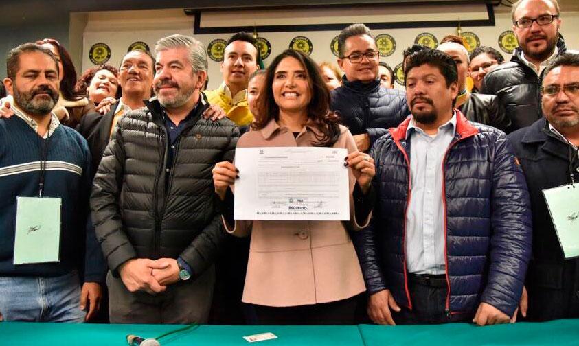 Photo of Se Registra Alejandra Barrales Como Precandidata Para LA CMDX