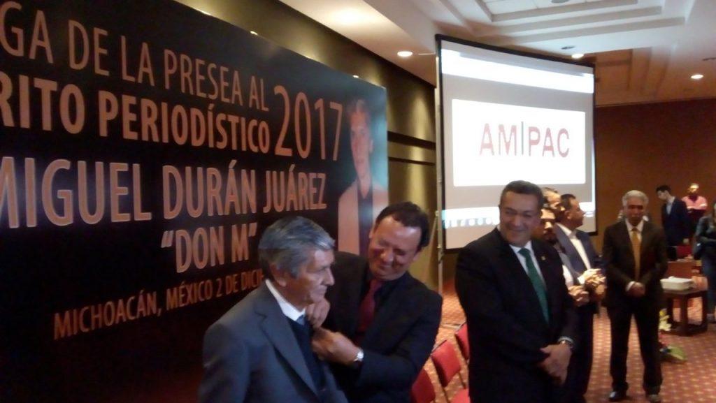 """Photo of #Michoacán """"Don M. Nació Hablando Al Chile"""": Homenajean A Periodista Por 50 Años De Oficio"""