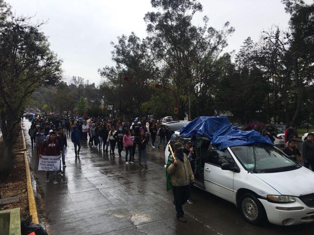 Photo of #Morelia Ni Lluvia Ni Frío Los Detienen: Avanza Marcha De CUL Y FNLS