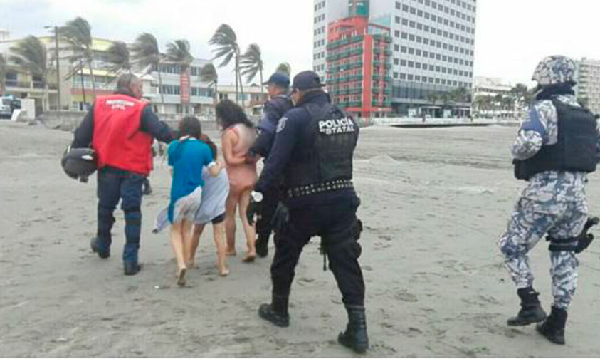 Photo of #Veracruz Mamá Intento Ahogar A Sus Retoños En La Playa