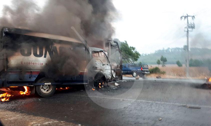 quema-CNTE-unidades-Michoacán