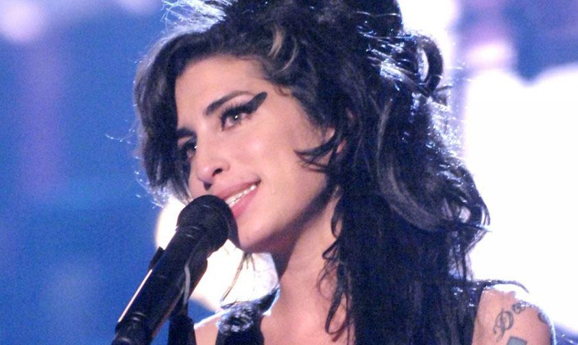 "Photo of Escucha ""My Own Way"", Rolita Inédita De Amy Winehouse"