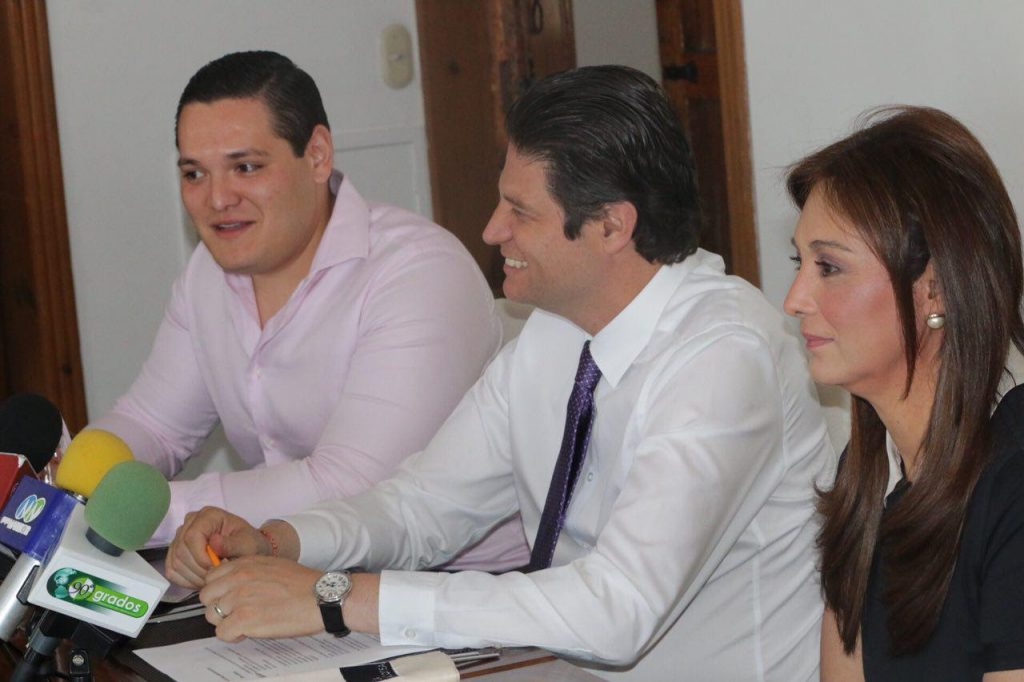 Photo of Alfonso Martínez Se Reúne Con La Alianza Multimedia Michoacán