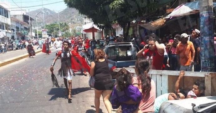 Photo of Se Soltó El Diablo! Se Agarraron A Balazos En Pleno Viacrucis En Acapulco