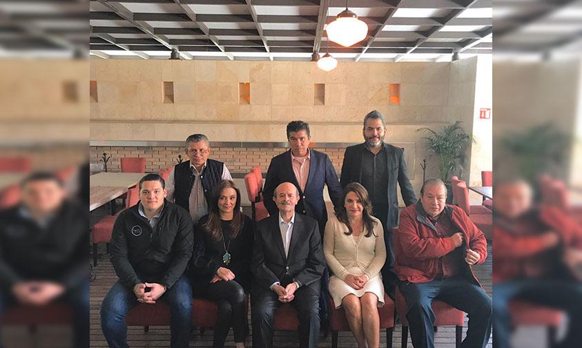 Photo of Fausto Vallejo Se Reúne Con La Alianza Multimedia Michoacán Para Intercambiar Opiniones