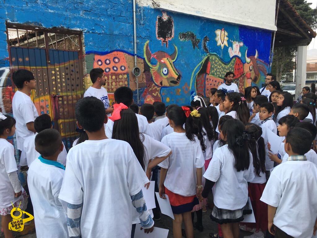 """Photo of Niños Disfrutaron Pintar Un Mural """"La Vida En La Comunidad De San Nicolás De Obispo"""""""