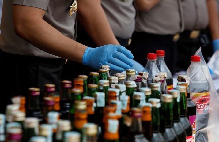 Photo of Mueren 28 En Indonesia Por Alcohol Adulterado