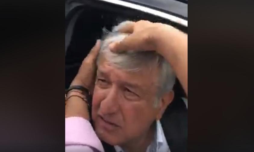 Photo of Video: Acarician El Cabello De AMLO Como Muestra De Afecto
