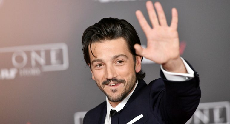 Photo of Diego Luna Dice Que Probablemente Vote Por AMLO