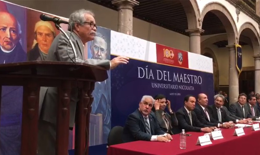 Photo of #Video Maestro Irrumpe En Homenaje De La UMSNH Y Pide Defender La Casa De Hidalgo