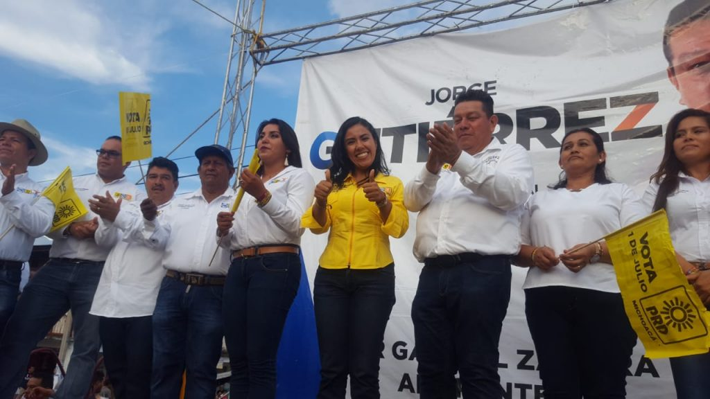 Photo of Fanny Arreola Cierra Campaña Junto A Cientos De Michoacanos En Gabriel Zamora