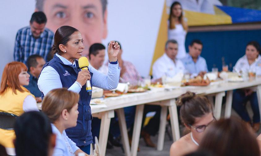 Photo of Empresarios Y Mujeres De Tacámbaro Respaldan Candidatura De Alma Mireya Al Senado