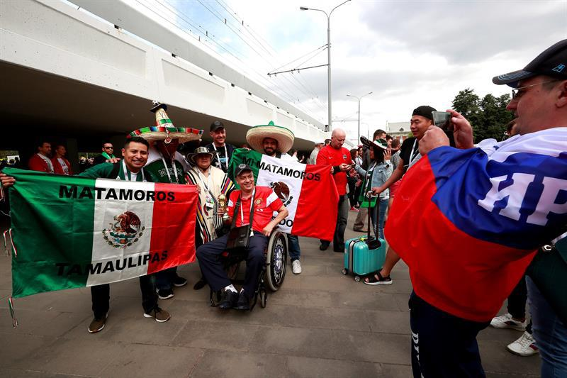 Photo of Mexicanos Arman La Fiesta En Rusia 2018