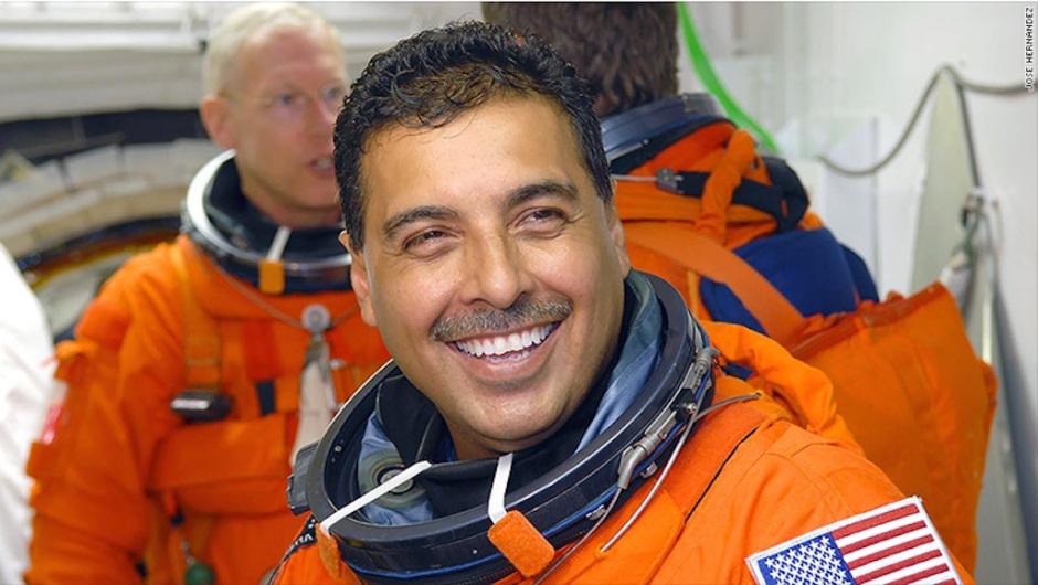 Photo of Astronauta Michoacano: EPN No Cumplió Destinar 1 Por Ciento De PIB A Ciencia Y Tecnología
