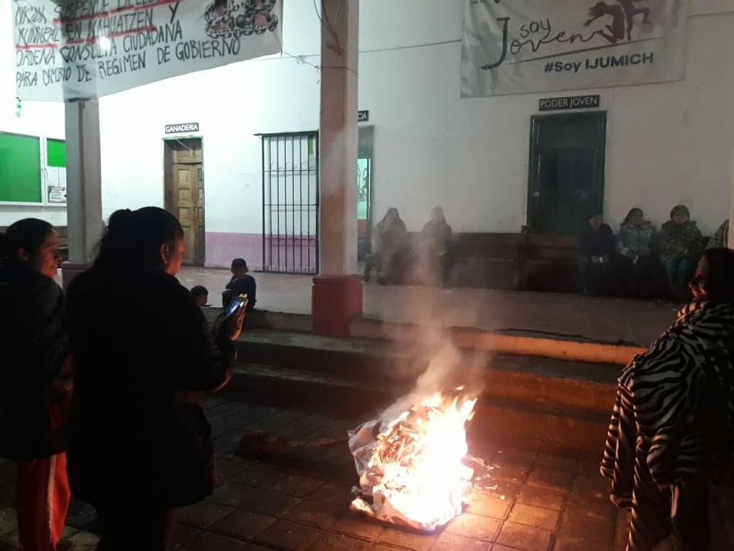 Photo of #Michoacán En Nahuatzen Quieren Impedir Elecciones