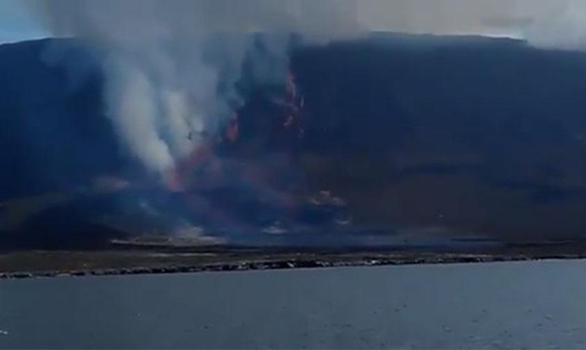 volcán La Cumbre erupción