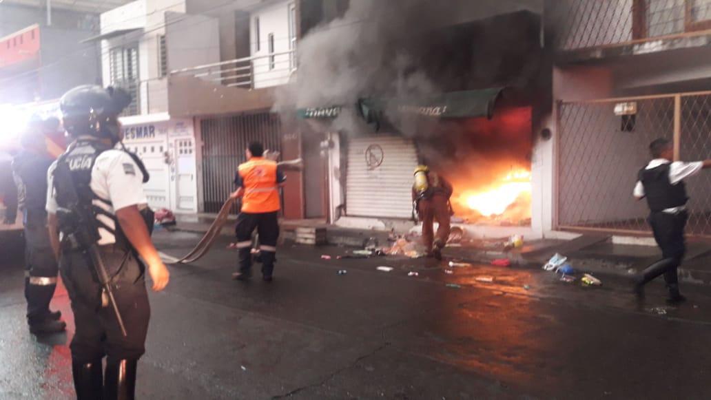 Photo of #Morelia Controlan Aparatoso Incendio En Tienda De Plásticos En Las Flores