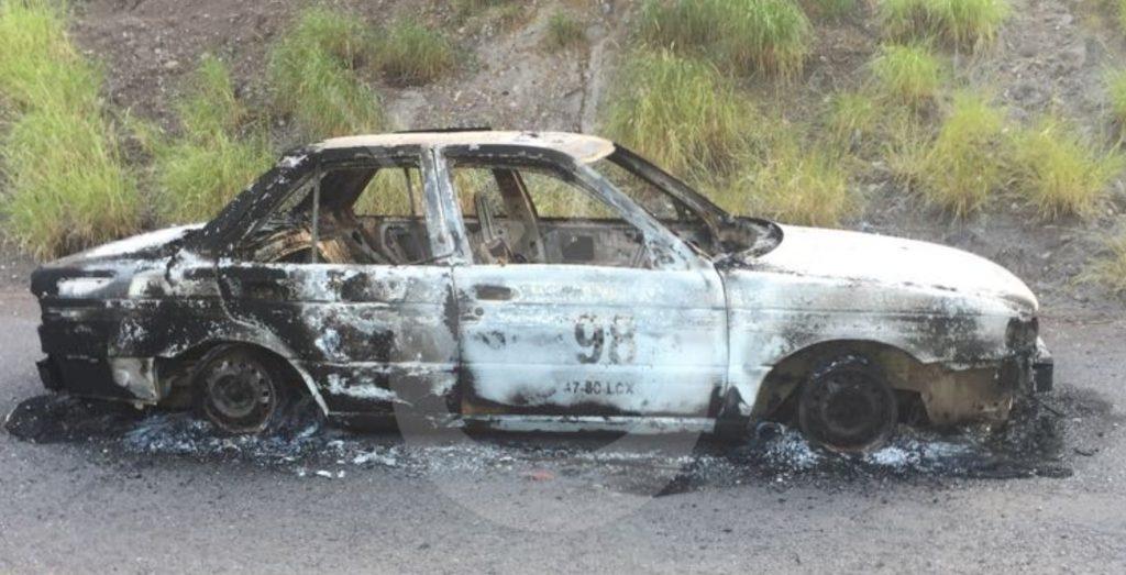 Photo of #Michoacán Taxi Arde En Llamas Y En Su Interior Encontraron Huesos Humanos