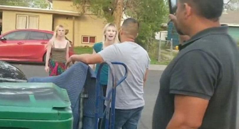 Photo of #Video Gemelas Arrestadas Por Insultar De Manera Racista A Familia Hispana