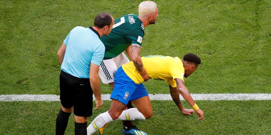 Photo of Layún Espera Que Algún Día Neymar Se Dedique Más A Jugar
