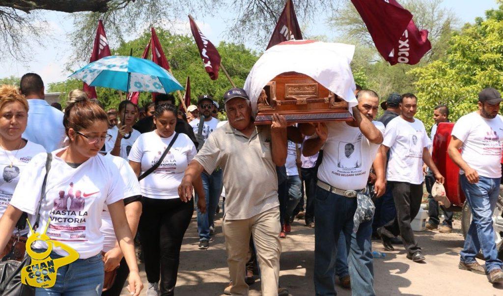 Photo of Deudos De Alcalde Electo Asesinado en Michoacán, Lloran Por Justicia