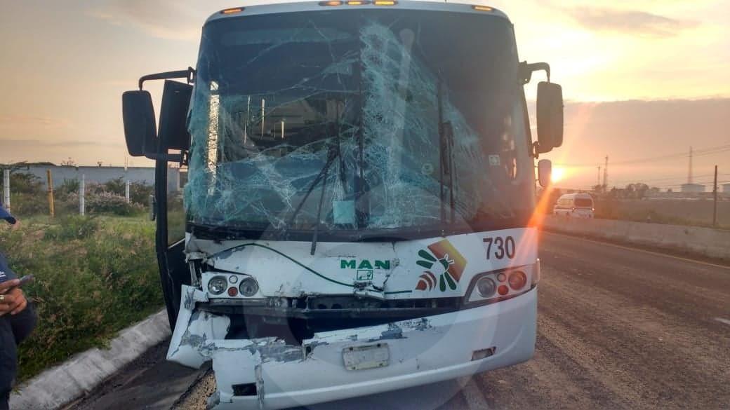 Photo of Choque De Dos Autobuses Deja Una Mujer Herida En La Morelia Salamanca